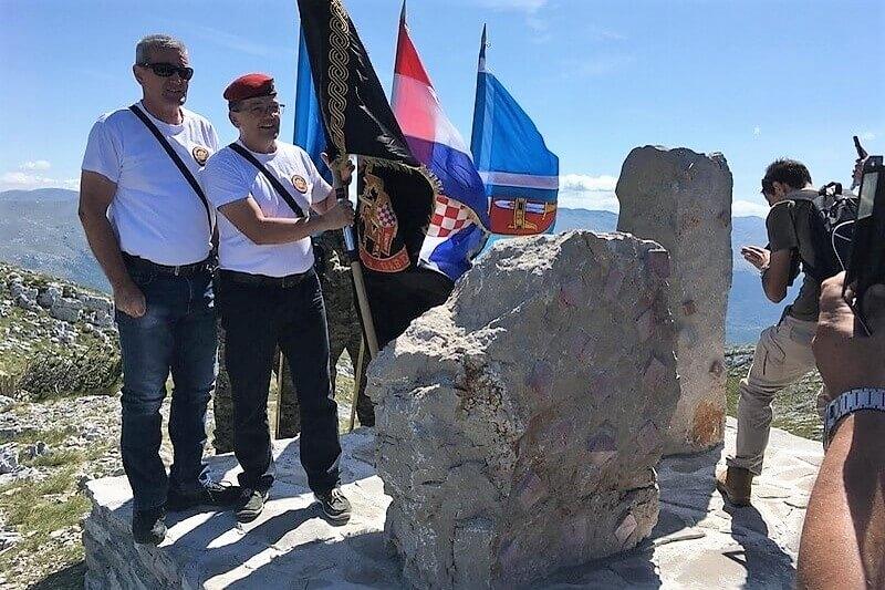 "Veterani 4. gardijske brigade sudjelovali na otkrivanju spomenika ""Spomenik Domovini"" na Dinari"