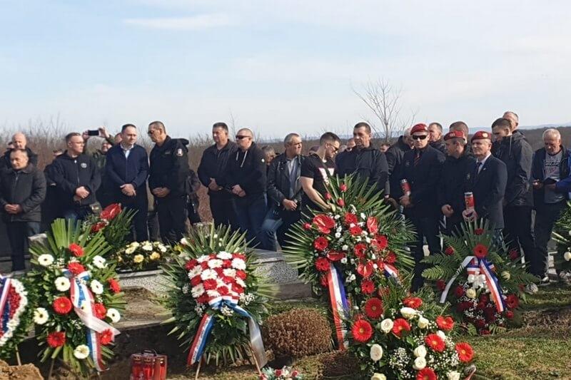 Veterani četvrte gardijske brigade na posljednjem ispraćaju heroja Domovinskog rata Žarka Manjkasa Crvenkape