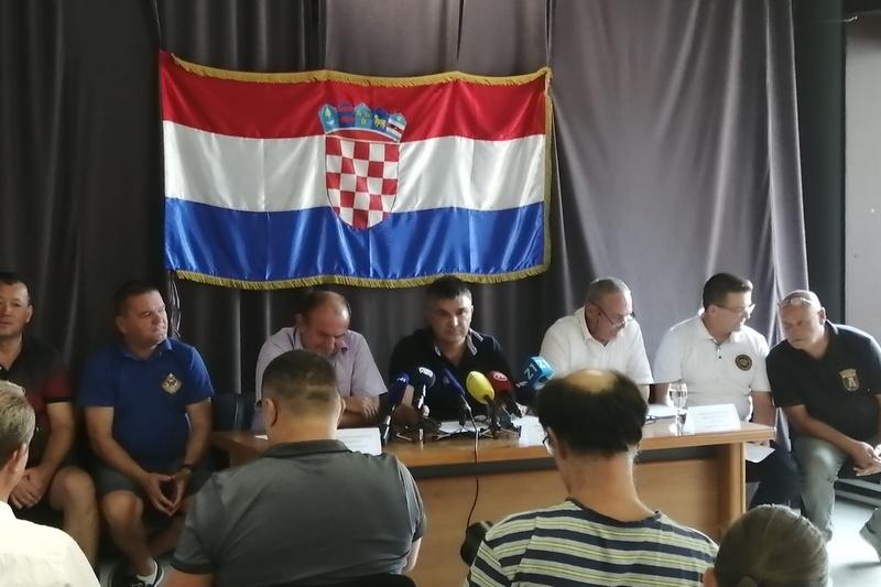 Udruge branitelja: Nećemo dopustiti da nam agresor na Republiku Hrvatsku iz devedesetih preko Milorada Pupovca kreira državnu politiku