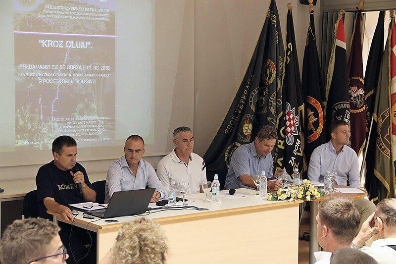 """U Splitu održano predavanje o vojno-redarstvenoj akcija Oluja """"Kroz oluju"""""""