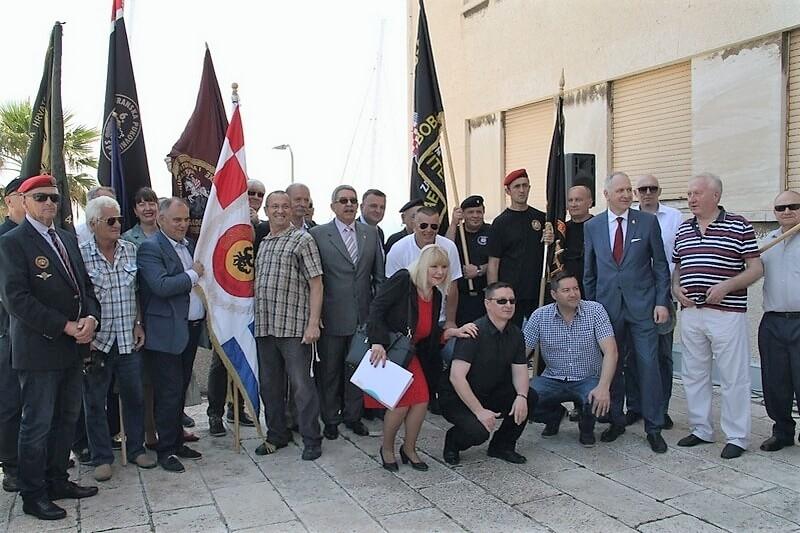 Veterani 4. GBR na obilježavanju 27. godišnjice masovnog prosvjeda ispred Banovine