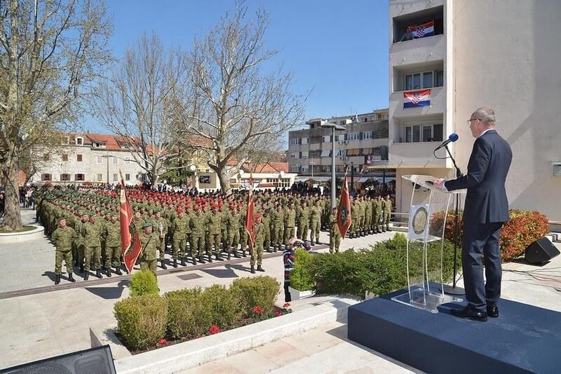Veterani 4. gardijske brigade na proslavi obilježavanja 12. obljetnice ustroja Gardijske motorizirane brigade HKOV