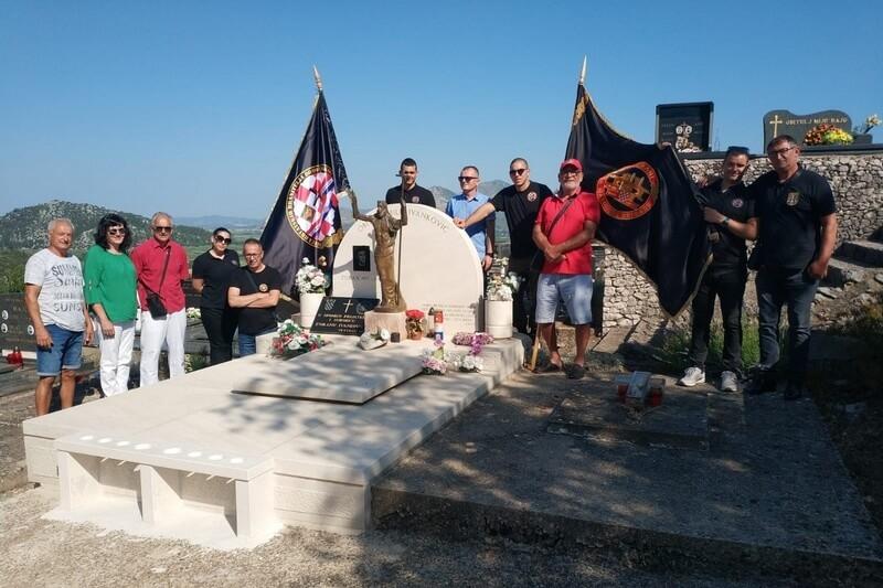 Veterani 4. gardijske brigade na obilježavanju 25. obljetnice oslobađanja Golubova kamena