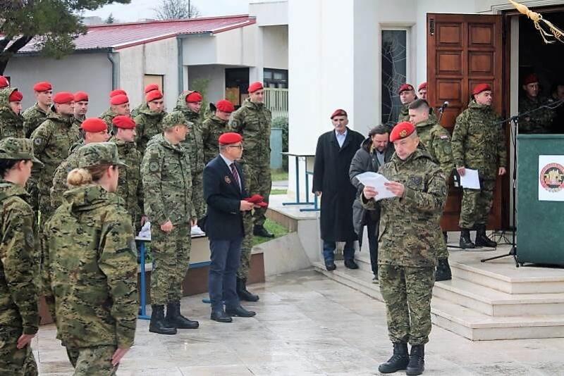 "Svečana dodjela crvenih beretki pripadnicima 3. mehanizirane bojne ""Pauci"" Gardijske mehanizirane brigade."